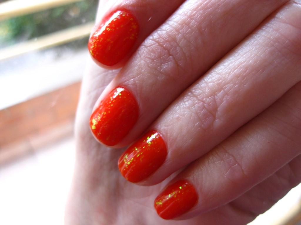 belezaday unhas vermelhas